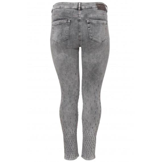 Coole Jeans mit Stickereien /
