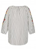 Fröhliche Bluse mit Stickereien /