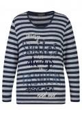 Fröhlicher Pullover mit Ringel-Muster und Schrift /